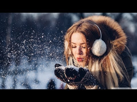 LIVE MUSIC 24/7 Glitter Gaming Music | EDM New Year Mix 2018 | Best of Popular EDM Remixes - UCGiKdUYnNCh20xglbM6ROLg