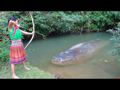Primitive technology - Primitive skills catch big fish and Cooking fish - Eating delicious - UCYU6l9Ws7ciniwyJtODjong