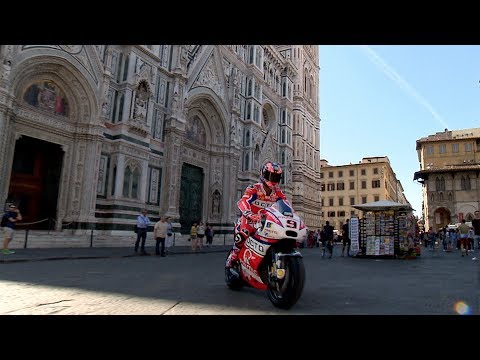MotoGP? rolls through the streets of Florence