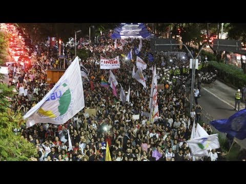 Brazilian Students Stage New Mass Protests Against Bolsonaro's Education Reform