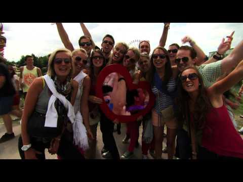 David Guetta - Who's The Star at Tomorrowland 2012 - UCsN8M73DMWa8SPp5o_0IAQQ