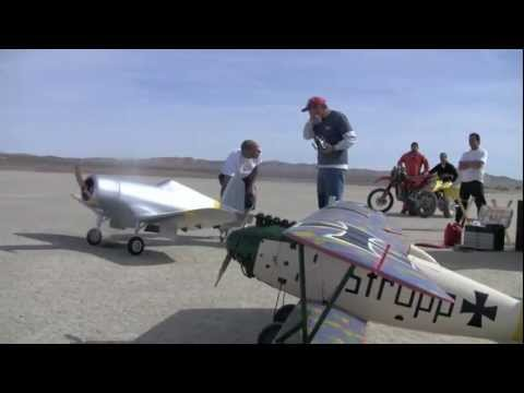Giant RC Corsair CARF Maiden Flight with Radial 250cc Engine El Mirage 2012 Jan - UCTChYyV39fzg3KyqdiEPAtA