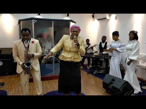 BUKOLA BEKES MINISTERING FOR LIVING FAITH  A.K.A  WINNERS  CHAPEL @ 40 THANKSGIVING MINISTRATION