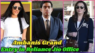 Ambanis Grand Entry in Reliance Jio Office