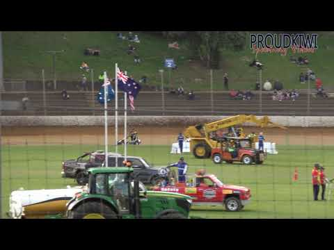 The two heats and the feature race for the Kiwi Kids Quarter Midgets from the meeting at Western Springs Speedway on Saturday 08 December 2018 - dirt track racing video image