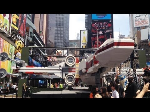 Full-Sized LEGO X-Wing Fighter - UC3o_gaqvLoPSRVMc2GmkDrg