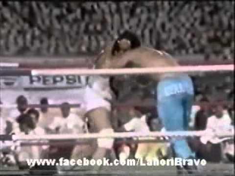 Nasir Bholu vs Mike Hennessy