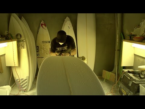 How a Surfboard is Made with Superbrand - UCSZy7dboa_o9X8itlpQx7yw