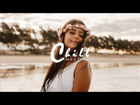 Berry Juice - She Got The Moon (Feat. Deirdre) - UCnkdF0aNzdW26J4JdrqrqbA