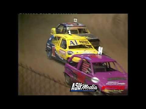 Junior Sedans: 2006/07 National Title - A-Main - Maryborough Speedway - 30.12.2006 - dirt track racing video image