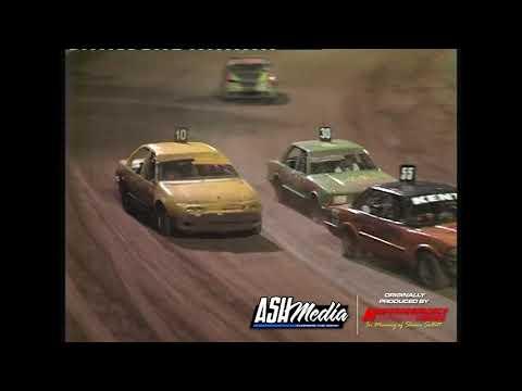 Street Sedans: Division 2 - A-Main - Kingaroy Speedway - 25.11.2006 - dirt track racing video image