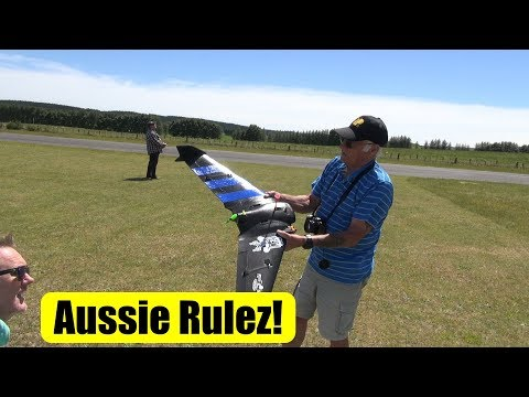 Aussie comes to fly RC plane - crash, crash, crash - UCQ2sg7vS7JkxKwtZuFZzn-g