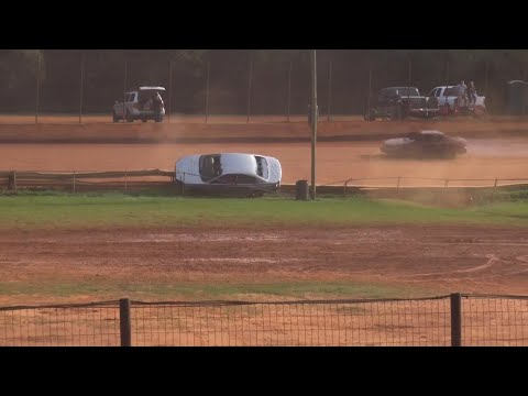 100 Lap enduro at Hartwell Speedway November 28th 2020 - dirt track racing video image