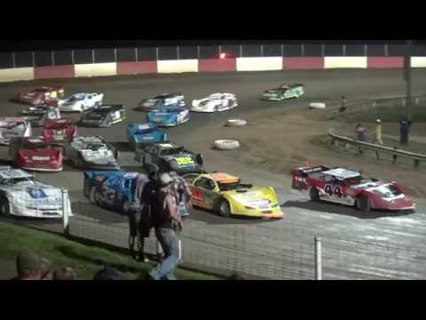 IMCA Late Model feature Dubuque Speedway 7/27/16 - dirt track racing video image
