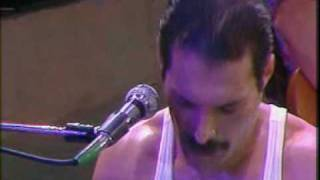 We Will Rock You and We Are The Champion (Live)