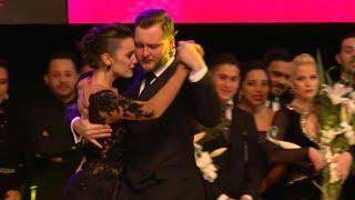 Una argentina y un ruso ganan Mundial de Tango en Buenos Aires | AFP
