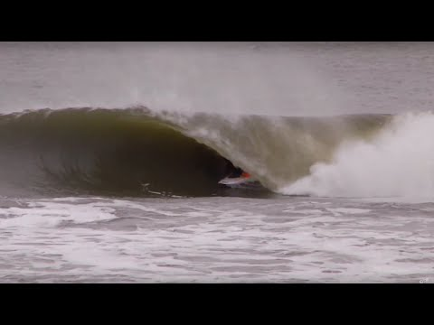 Winter Surfing in Montauk, New York - UCSZy7dboa_o9X8itlpQx7yw