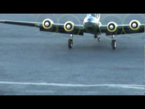 HobbyKing B-17 Memphis Belle Second flight 9-30-2011 - UCqYLevoId7gv_6BzQclw5ew