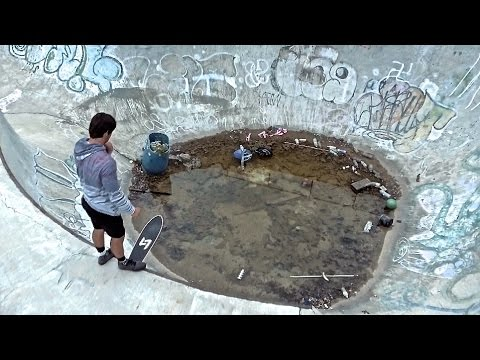 Skating In Abandoned Park | NEW DRONE - UCMqa1mNaKmSSe48FzwohAEA
