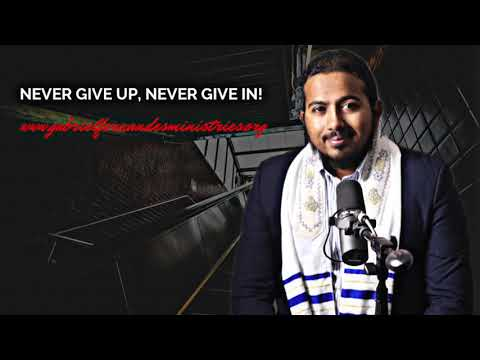 NEVER GIVE IN, NEVER GIVE UP! POWERFUL MESSAGE AND PRAYERS WITH EV. GABRIEL FERNANDES